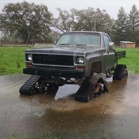 truck_in_water